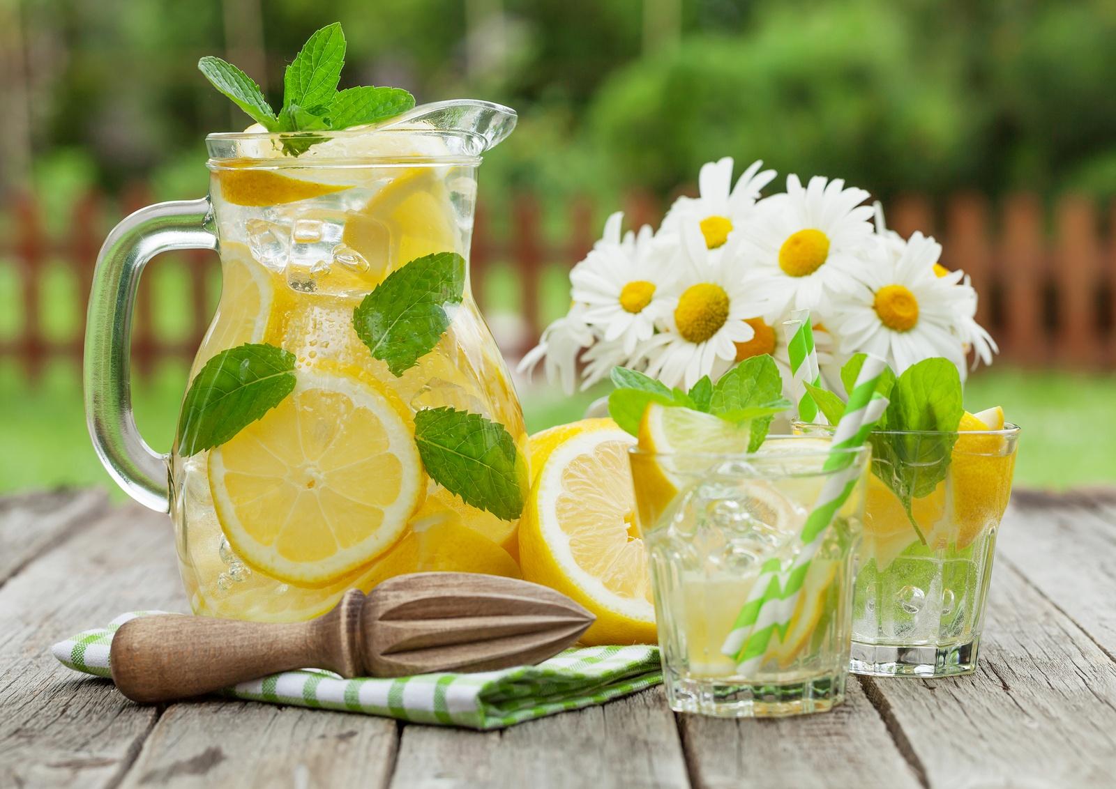 bigstock-Lemonade-with-lemon-mint-and--138135725.jpg