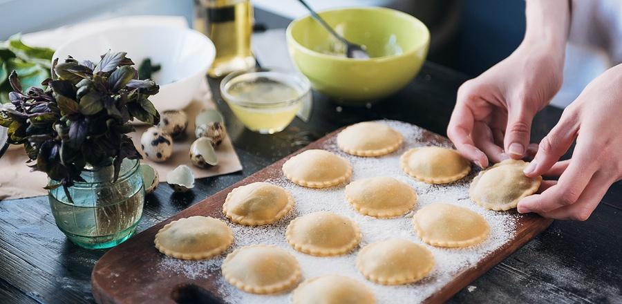 bigstock-Step-By-Step-The-Chef-Prepares-185205388.jpg