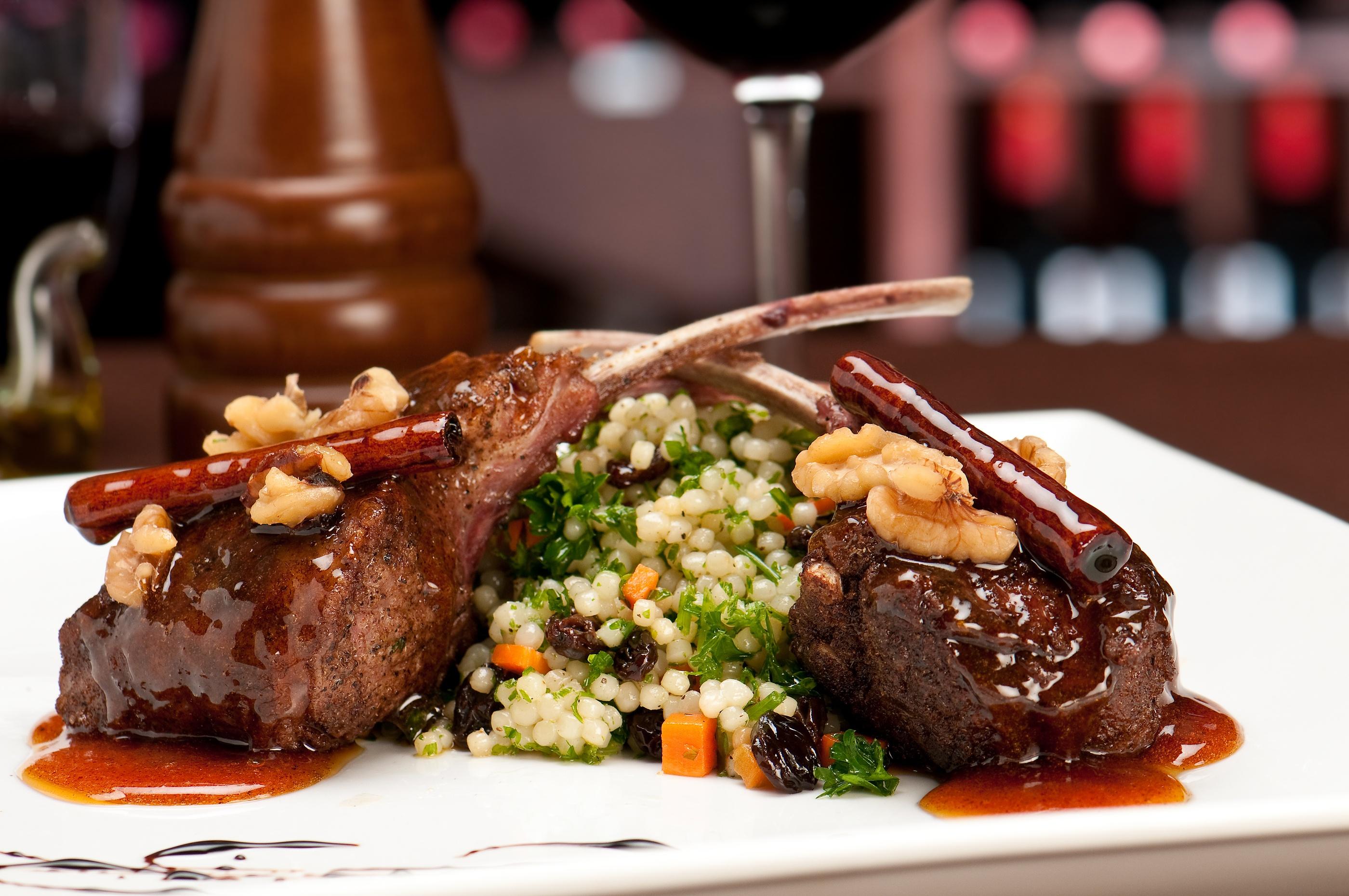 bigstock-Gourmet-Lamb-Chops-6009039.jpg